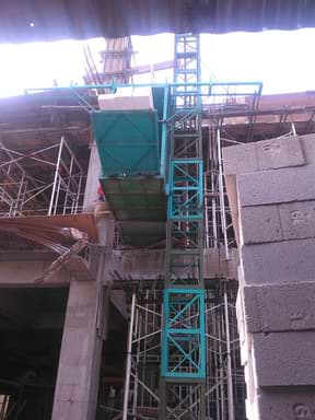 sewa lift barang tegal